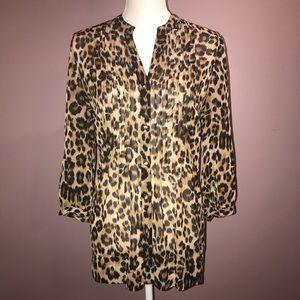 🐆 Leopard print button-up blouse 🐆